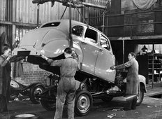 Longbridge factory Austin 1948