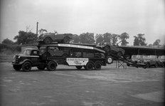 Land Rover Carrier Austin K4 loading Land Rovers 1949