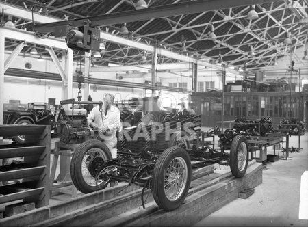 MG TC Midget Engine Installation 1946